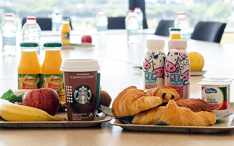 Petit déjeuner à l'Espace Meeting